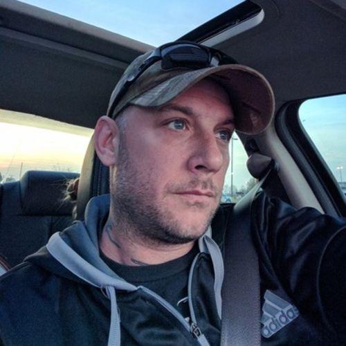 Handyman Provider Brandon Milton's Profile Picture