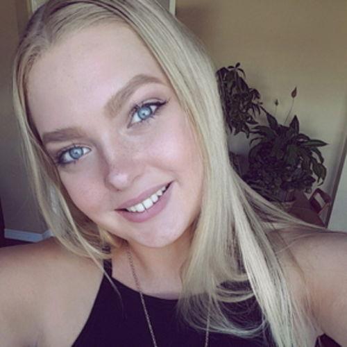 Canadian Nanny Provider Emelia B's Profile Picture