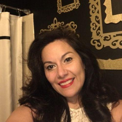 House Sitter Provider Monica Garcia's Profile Picture