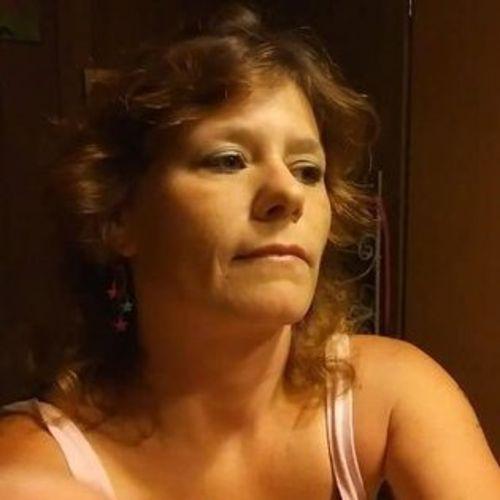 Springhill Housekeeper Seeking Job Opportunities in Florida