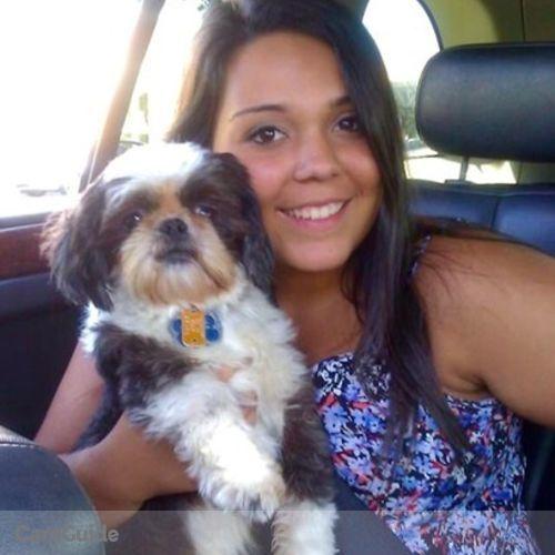 Pet Care Provider Victoria Souza's Profile Picture