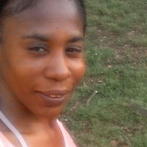 Housekeeper Provider Monek Jones's Profile Picture