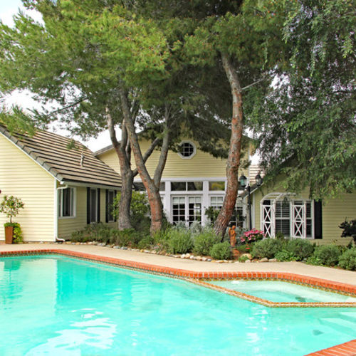 Fallbrook: Seeking Top Notch House Cleaner for High-End Vacation Rental