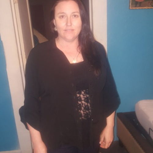 Housekeeper Provider Crystal Garcia's Profile Picture