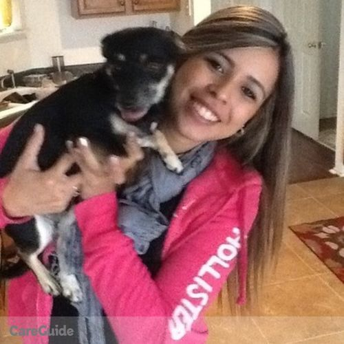 Pet Care Provider Emily Trindade's Profile Picture