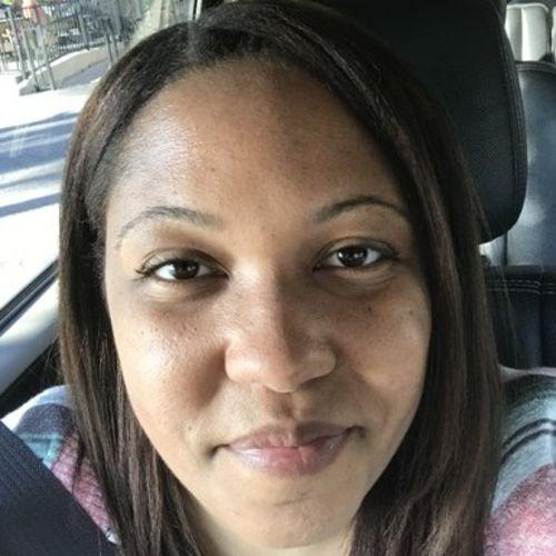 Elder Care Provider Nicole R's Profile Picture