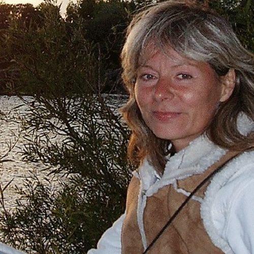 Pet Care Provider Carmen Aradi's Profile Picture