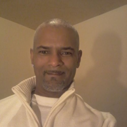 Housekeeper Provider Henry Molina's Profile Picture