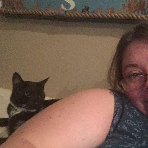 Pet Care Provider Chelle Allen's Profile Picture