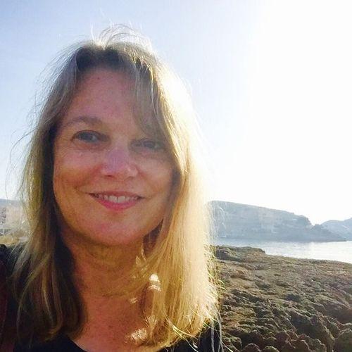 House Sitter Provider Deborah Harries's Profile Picture