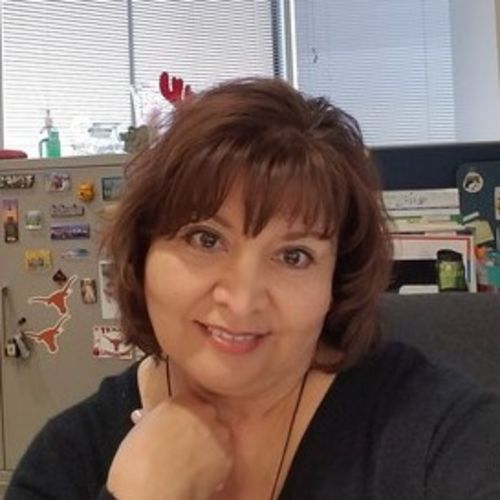 House Sitter Provider Tina Robles's Profile Picture