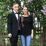 Professional mother son duo / non smoking / 38 year experience with pets and keeping things clean