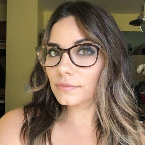 Pet Care Provider Laura Y's Profile Picture