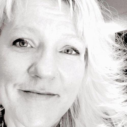 Pet Care Provider Teresa Spelios's Profile Picture