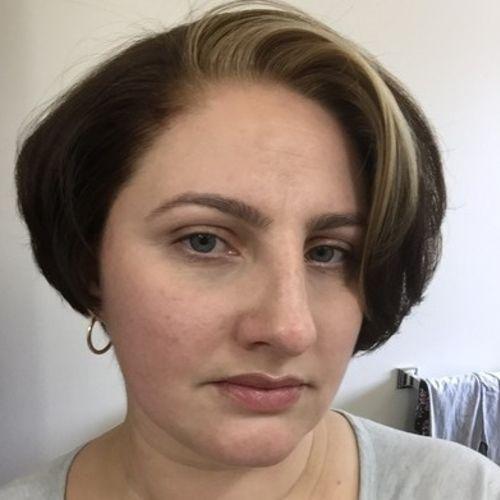 Housekeeper Provider Viktoria Izmailova's Profile Picture
