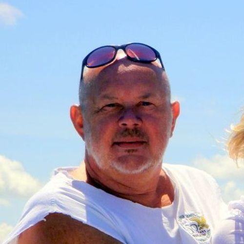 House Sitter Provider Lou J Klevinas's Profile Picture