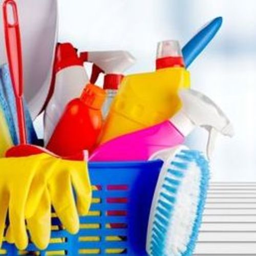 Hi, my name is Chantelle. My company is Polished Cleaning Services. I am happy to provide the best quality of cleaning!