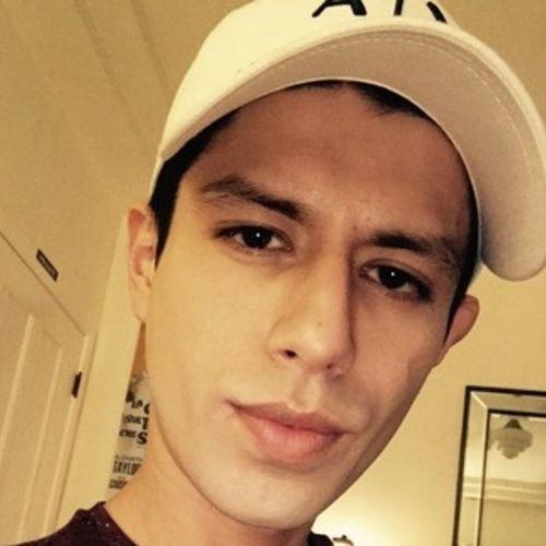 Housekeeper Provider Eduardo R's Profile Picture