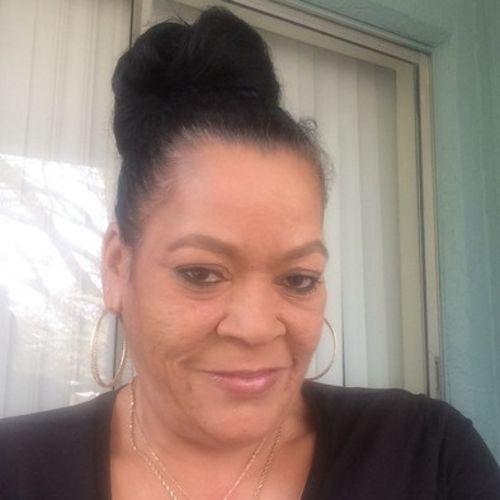 Housekeeper Provider Tali Diefenbacher's Profile Picture