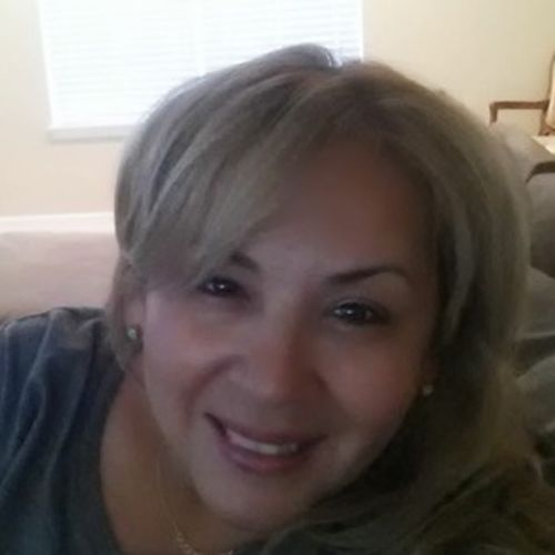 House Sitter Provider Veronica Reyther's Profile Picture