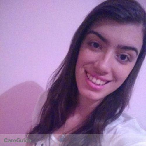 Canadian Nanny Provider Natália Nicoletti's Profile Picture