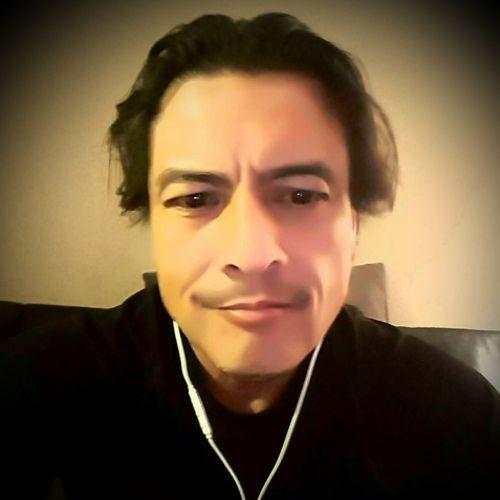 Painter Provider Gil Nunez's Profile Picture