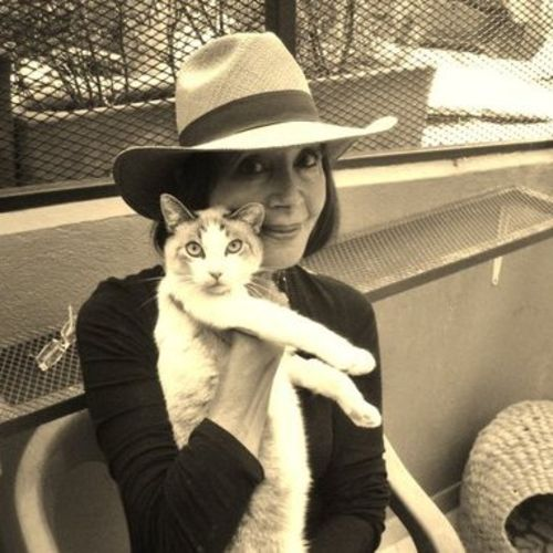 Loving Experienced Pet Sitter Dog Walker Pet Sitter In