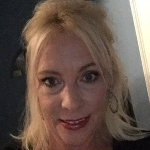 House Sitter Provider Deborah Pitre's Profile Picture