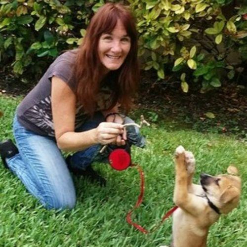 Pet Care Provider Julie Diaz's Profile Picture