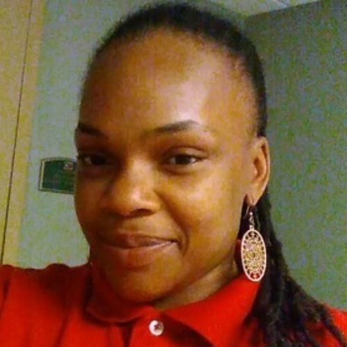 Housekeeper Provider Lanita Holloman's Profile Picture