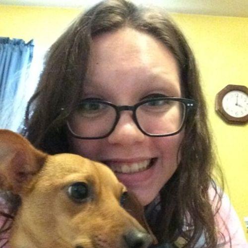 Pet Care Provider Sarah Burnett's Profile Picture