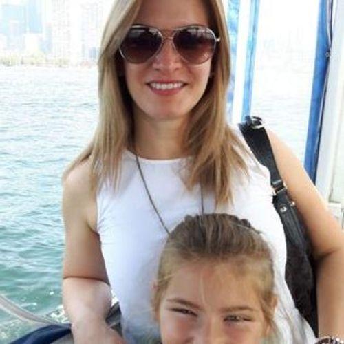 Canadian Nanny Provider Dora L's Profile Picture