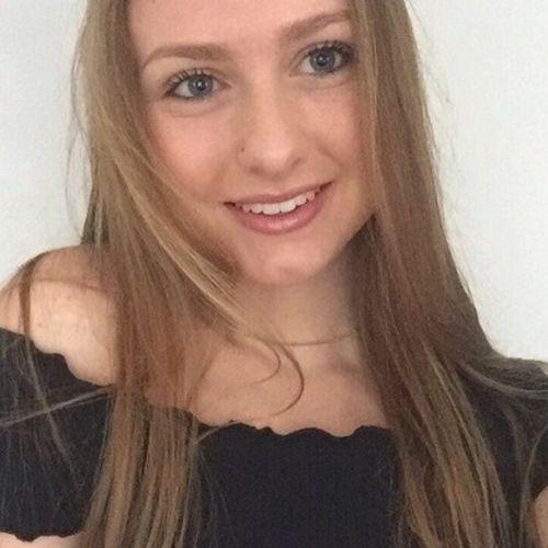 Canadian Nanny Provider Ashleigh L's Profile Picture