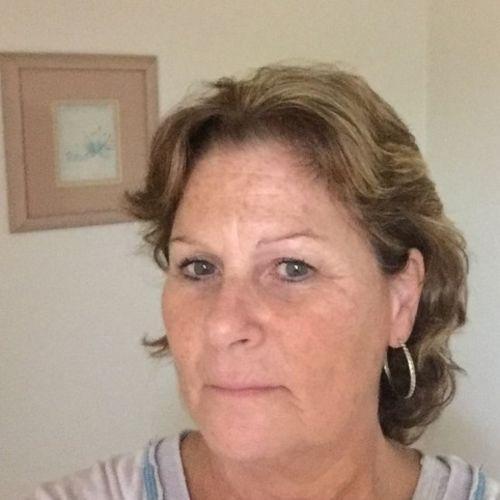 House Sitter Provider Deborah Dionne's Profile Picture