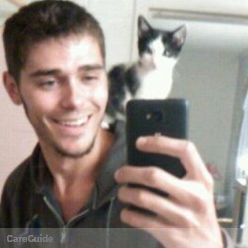 Pet Care Provider Darian Bradshaw's Profile Picture