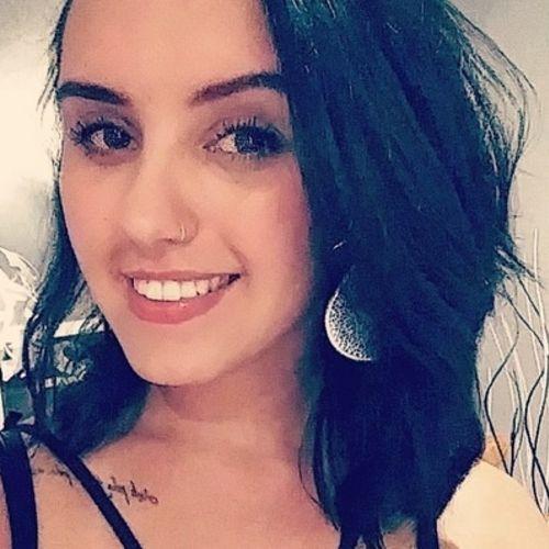 House Sitter Provider Luanna De Souza's Profile Picture