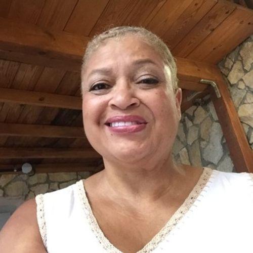 House Sitter Provider Brenda Mack's Profile Picture