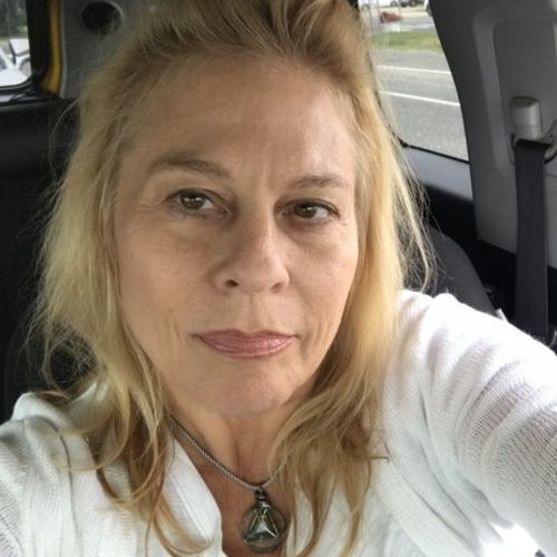 Pet Care Provider Leslie McLean's Profile Picture
