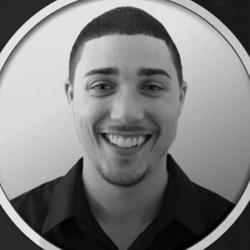 House Sitter Provider Evan Komora's Profile Picture