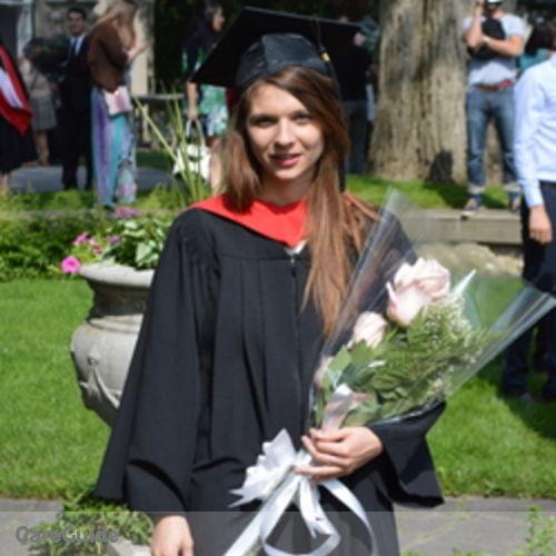 Canadian Nanny Provider Cara Gordon's Profile Picture