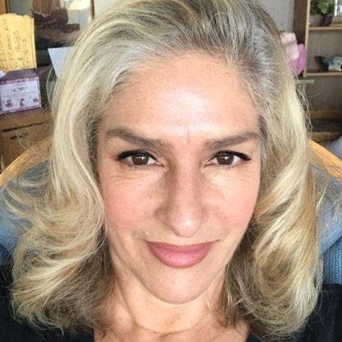 Pet Care Provider Elena Sanchez's Profile Picture