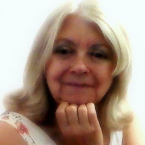 House Sitter Provider Tina Fran L's Profile Picture