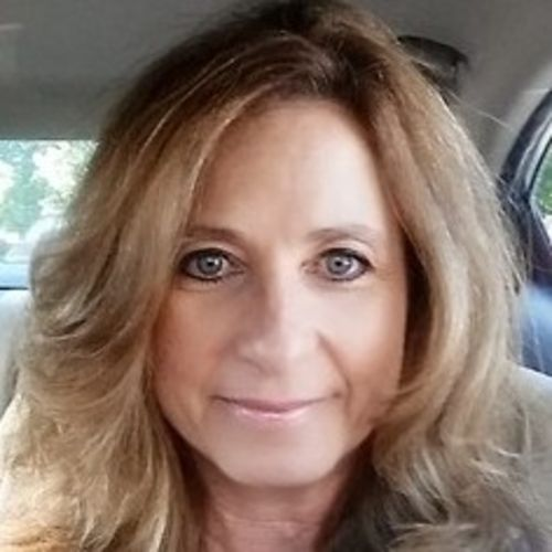 House Sitter Provider Michele McMinn's Profile Picture