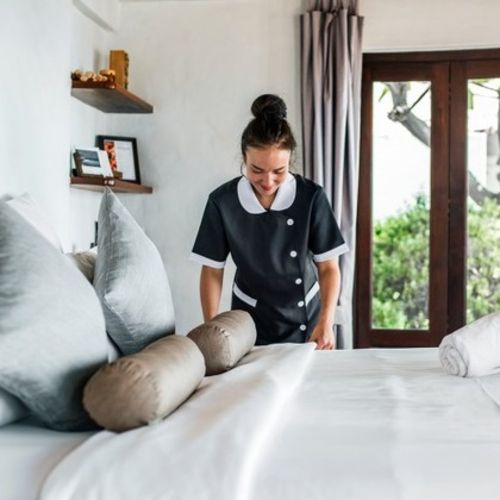 Local housekeeper specializing in senior care and pre/post move ins, family homes, and commercial spaces.