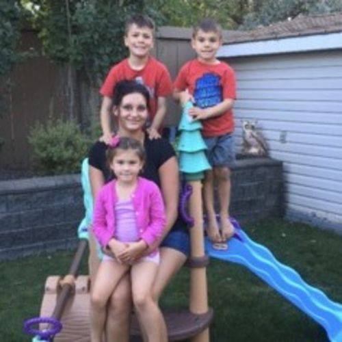 Looking for a full time nanny position with a loving family. I am located downtown Edmonton.