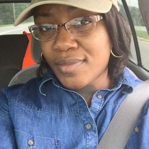 Housekeeper Provider Jocelyn Hooper's Profile Picture