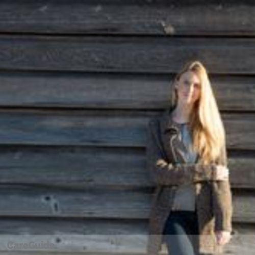 Canadian Nanny Provider Violet Lasdun's Profile Picture