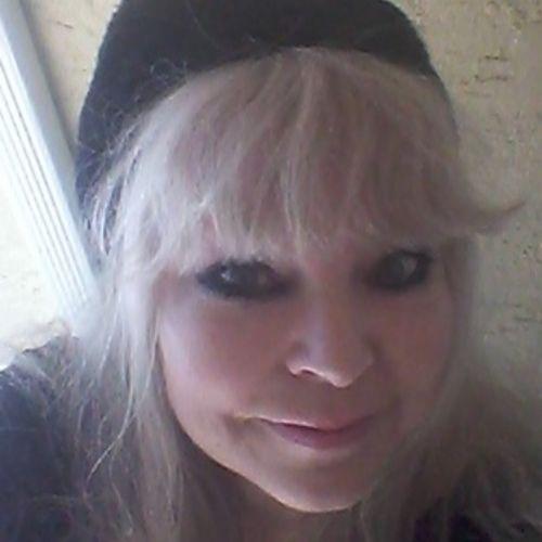 House Sitter Provider Carol Schlittenhart's Profile Picture