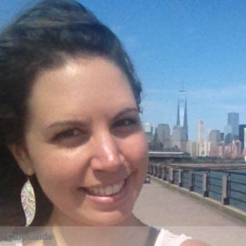 Pet Care Provider Lena Dabo's Profile Picture