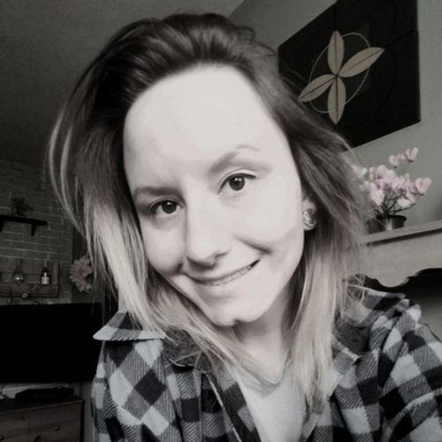 Pet Care Provider Melanie W's Profile Picture